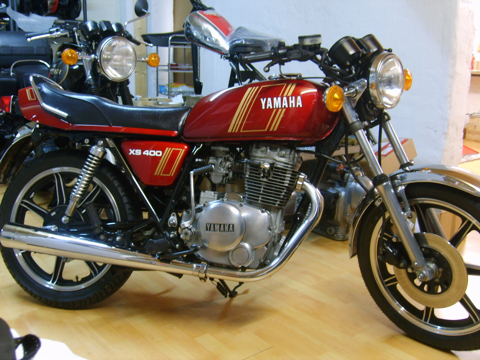 restauraci n yamaha xs400 de 1979 p gina 2 forocoches. Black Bedroom Furniture Sets. Home Design Ideas